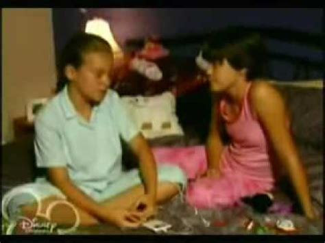Uptown Girl- Mortified Taylor/Brittany femslash - YouTube