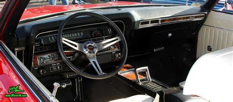 Dashboard & speedometer of a 1969 Chevrolet Impala