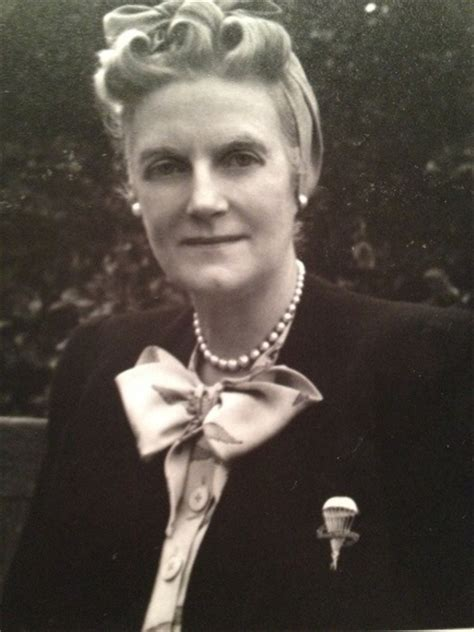 10 Facts about Clementine Churchill | Fact File