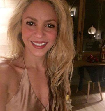 Shakira family in detail: husband, kids, parents and half