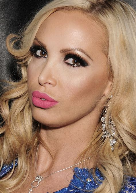 File:Nikki Benz, 2014 (cropped)