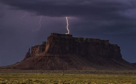 Stunning images capture the moment lighting strikes over