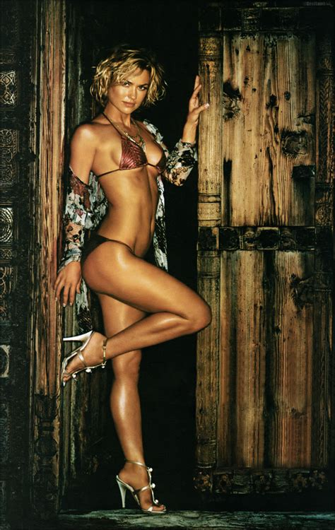 ATRIZES DIVAS DO CINEMA: KELLY CARLSON