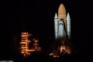 Space Shuttle Endeavour lands back on Earth hours after Atlantis   Daily Mail Online